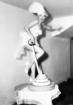 .marilyn monroe : cheese cake
