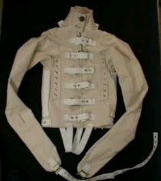 Straight jacket: high collar