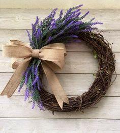 Valentine Wreath, Valentine Decorations, Spring Decorations, Valentine Box, Valentine Ideas, Valentine Crafts, Wreaths For Front Door, Yarn Wreaths, Ribbon Wreaths