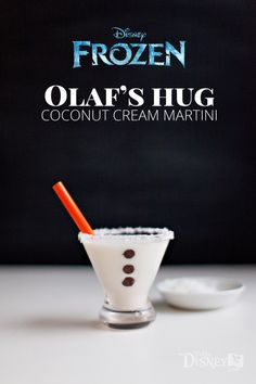 Olaf's Hug -- Coconut Cream Martini {A Disney Inspired Cocktail} Disney Cocktails, Cocktail Disney, Disney Alcoholic Drinks, Warm Cocktails, Cocktail Drinks, Cocktail Recipes, Disney Mixed Drinks, Disney Themed Drinks, Party Drinks