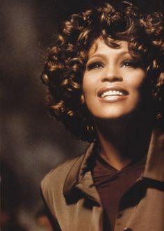 "Whitney Houston ""I'm taking it step by step. Whitney Houston, Beverly Hills, Divas, Music Icon, Iconic Women, Female Singers, Beautiful Black Women, Vintage Beauty, New Jersey"