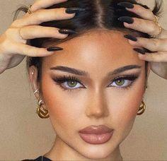 Formal Makeup, Edgy Makeup, Nude Makeup, Flawless Makeup, Skin Makeup, Beauty Makeup, Pretty Makeup Looks, Makeup Eye Looks, Creative Makeup Looks