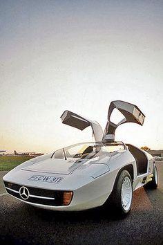 Mercedes Benz – One Stop Classic Car News & Tips Motor Wankel, Motor Diesel, Daimler Benz, Mercedes Benz Cars, Mercedes Models, Pt Cruiser, Roadster, Pretty Cars, Best Classic Cars