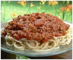 Sauce à spaghetti à la tomate et à la saucisse de liza frulla, Recette Ptitchef Sauce Spaghetti, Sauce Bolognaise, Plant Based Diet, Crockpot, Pasta, Meals, Vegan, Ethnic Recipes, Chum