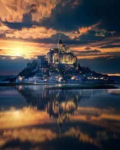 Island castle view in mont-saint-michel france - Architecture and Urban Living - Modern and Historical Buildings - City Planning - Travel Photography Destinations - Amazing Beautiful Places Beautiful Castles, Beautiful World, Beautiful Places To Visit, Places To See, Wonderful Places, Peaceful Places, Mont Saint Michel France, Mont Sant Michel, Fairytale Castle