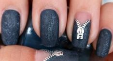 Flocking Powder Based Jeans and Zipper Nail Art