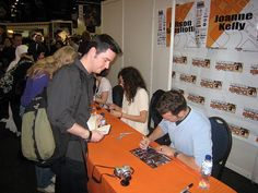 The Warehouse 13 Cast Allison Scagliotti, Eddie McClintock and Joanne Kelly with me during their autograph session at the MCM London Expo.     I like this one
