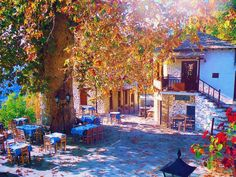Beautiful Tsagarada village at Pelion Mountain Honeymoon Destinations, Holiday Destinations, Oh The Places You'll Go, Places To Visit, Adventure Is Out There, Greek Islands, The Good Place, Cool Pictures, Amazing Photos