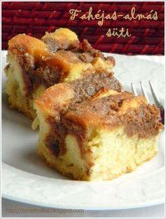Fahéjas-almás sütemény Hungarian Desserts, Hungarian Recipes, Fun Desserts, Dessert Recipes, Cake Boss Recipes, Specialty Cakes, Sweet Cakes, Baby Cakes, Fondant Cakes