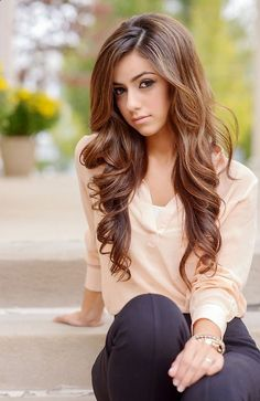 Love her hair color....need to decide what color I want my hair for the wedding!