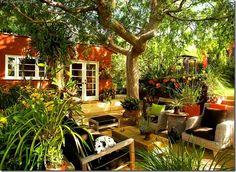 Cozy-Outdoor-Garten-Shed
