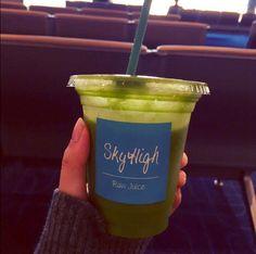 chay @chaychay1023  · 空港で必ず飲むSky Highのグリーンスムージー♪ いってきまーす(*^^*)