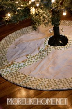 I've struggled with tree skirts in the past. I've settled for ones that weren't really my style (because they were on super sale), waged...