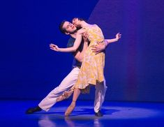 Review: 'An American in Paris,' a Romance of Song and Step - The New York Times