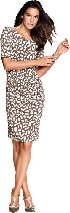 Fair Lady Jersey-Kleid im wunderschönem Dessin ab 89,99€. Kleid mit kaschierender Raffung im Taillenbereich, Viskose, Elasthan, Figurumschmeichelnde Form bei OTTO