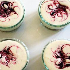 Der Cheesecake im Glas ohne Backen: Wir haben das Rezept für die schnelle Zubereitung. Echte Konkurrenz für den Original-Käsekuchen und Panna Cotta & Co,
