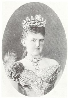 Adelheid Emma Wilhelmina Theresia von Waldeck-Pyrmont Net Worth