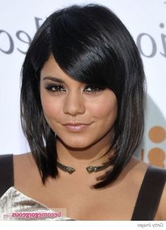Vanessa Hudgens Shoulder-Length Wave Hairstyles 2012