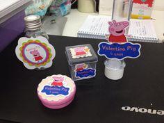 Kit Personalizado com adesivo e scrapbook da Peppa Pig da Valentina <3