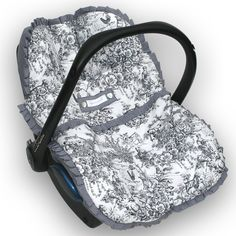 Universele hoes met afritsbare voetenzak voor de baby autostoel, maxi cosi en kinderwagen.100% made with ♥ **************************************** Unique cover with zipped-on footmuff for infant baby car seat and stroller. 100% made with ♥        *********************************************              For Maxi-cosi, Safety 1st, Mutsy, Stokke, Cybex, Bugaboo etc.  webshop: www.hagou-originals.com  ********************************************* Toile de jouy