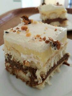 Πάστα Greek Sweets, Greek Desserts, Cold Desserts, Greek Recipes, Cookie Recipes, Dessert Recipes, Biscuits, Food Snapchat, No Bake Cake