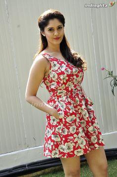 South Indian Actress Hot, Indian Actress Hot Pics, Most Beautiful Bollywood Actress, Beautiful Actresses, Beautiful Girl Photo, Beautiful Asian Girls, Beautiful Women, Beauty Full Girl, Beauty Women