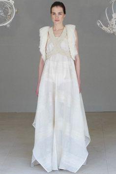 #wedding#bride#it#fiance#model#cool#cute#nice#super#lifestyle#style#fashion#girl#women#woman#chic#glam#couture#hautecouture#brunette#print#runway#style#dress#white#totalwhite#whitedress#love