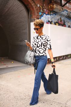 Teen Vogue's First African American Beauty Director Elaine Welteroth Tapered Twa, Tapered Natural Hair, Natural Hair Twa, Hair Curt, Natural Hair Inspiration, Style Inspiration, Elaine Welteroth, Ohh Couture, Twa Styles