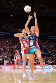 Liz Watson of the Vixens is challenged by Claire O'Brien of the Swifts during the round nine Super Netball match between the Swifts and the Vixens at Qudos Bank Arena on April 2017 in Sydney, Australia. Netball, Sydney Australia, Vixen, Lacrosse, Sport Girl, Cricket, Claire, Recovery, Melbourne