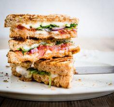 Het beste onderdeel van een (pan)tosti is natuurlijk de kaas, maar wat je er verder op…