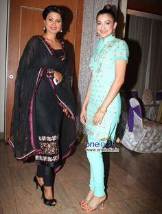 Sisters Nigaar and Gauhar Khan