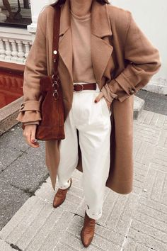 Amazing Winter Outfits with a Camel Coat to Stay Chic and Warm Winter Fashion Outfits, Fall Winter Outfits, Autumn Winter Fashion, Fall Fashion, Autumn Look, Fashion Coat, 70s Fashion, Fashion Online, Classy Outfits
