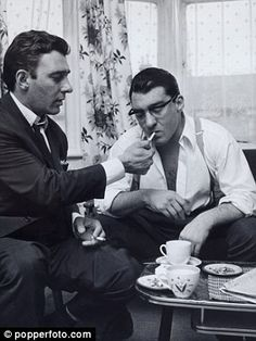 How were Frank Sinatra and Morrissey mixed up with the Krays? The Krays, Miracles Book, Mafia Gangster, Real Gangster, Public Enemies, Thing 1, Twin Brothers, Tom Hardy, Cultura Pop
