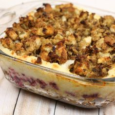 With layers of yummy Thanksgiving leftovers, this Leftover Thanksgiving Casserole will quickly become one of your favorite easy Thanksgiving casseroles. Thanksgiving Leftover Casserole, Stuffing Recipes For Thanksgiving, Thanksgiving Leftovers, Thanksgiving Side Dishes, Thanksgiving Ideas, Turkey Leftovers, Turkey Time, Turkey Dishes, Leftover Turkey Recipes