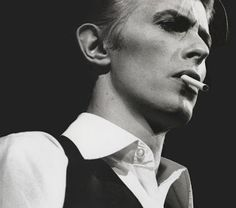 One Sweet Song: David Bowie//Suffragette City