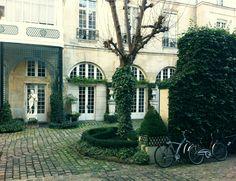 Secret garden, Quai Voltaire