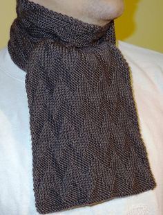 Free Pattern: Simple chevron pattern scarf by Mónika M.
