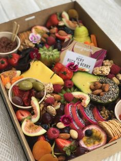 Top Ten Grazing Table to Groom Your Event Charcuterie And Cheese Board, Charcuterie Platter, Food Platters, Cheese Platters, Antipasto, Grazing Platter Ideas, Breakfast Platter, Snack Platter, Graze Box