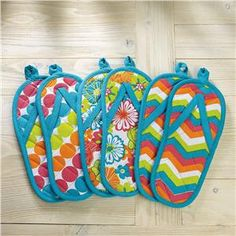 Flip-flop Pot Holders - Kitchen Tools & Cookware. Get 3% back every time your shop online from Lillian Vernon. Just open a free account with us first: http://www.rebatecove.com/store?site_id=214180
