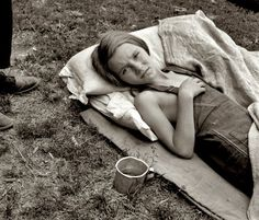 "August 1939. ""Sick migrant child. Washington, Yakima Valley, Toppenish."" The daughter of migrant laborers harvesting hops in Washington State.  by Dorothea Lange"