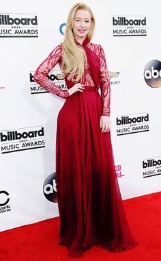 Iggy Azalea KILLING IT at the Billboard Music Awards in a Zuhair Murad gown.