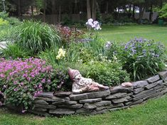 You can grow a variety of plants in these beds like soft fruits (currants, strawberries), vegetables (almost any vegetable), herbaceous perennials (for cut flowers), alpines ( as they love good drainage), small trees and shrubs (depending on the size of the Raised beds) and ericaceous or lime hating plants ( heathers, rhododendrons, etc).