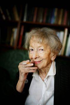 Wisława Szymborska (1912.7.23 - 2012.2.1)