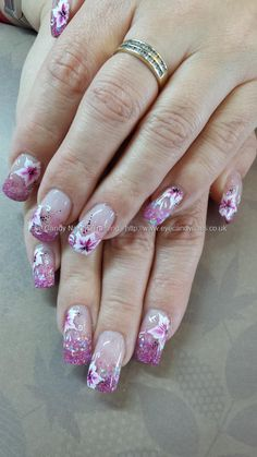pink+glitter+acrylic+fade+with+freehand+one+stroke+flower+nail+art
