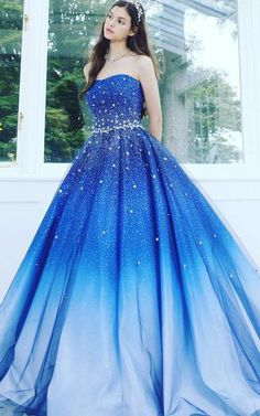 Buy A Line Blue Strapless Sweetheart Ombre Sweep Train Ball Gown Beads Tulle Prom Dresses uk in uk.Shop our beautiful collection of unique and convertible long Prom dresses from Wikiprom,offers long bridesmaid dresses for women in the UK. Ombre Prom Dresses, African Prom Dresses, Cute Prom Dresses, Tulle Prom Dress, Beautiful Prom Dresses, Long Bridesmaid Dresses, Quinceanera Dresses, Modest Dresses, Elegant Dresses