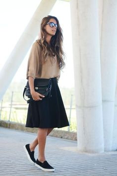 Ideas For Sneakers Fashion Outfits Minimal Chic Sweaters Modest Outfits, Skirt Outfits, Modest Fashion, Dress Skirt, Casual Outfits, Cute Outfits, Summer Outfits, Dress Shoes, Fashion Mode