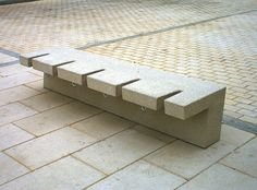 Banc public / contemporain / en pierre reconstituée / avec range-vélo intégré - HYDRA by Àngels Colom - Escofet
