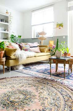 Wil je meerdere vloerkleden combineren in huis? Ik geef je vandaag al mijn tips voor het stylen van twee of meer vloerkleden over elkaar. Mtv Cribs, Loft, Interior Plants, Scandinavian Interior, Home Staging, Wall Colors, Decoration, Interior Inspiration, Ikea