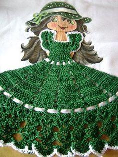 LOURDES ARTESANATOS 2011: bonecas c/vestidos de croche