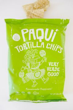 Watch out, traditional sour cream and onion chips. These Very Verde Good chips from Paqui Tortilla Chips are sour cream and salsa verde flavored, and they're Packaging Snack, Brand Packaging, Packaging Design, Product Packaging, Salsa Verde, Best Chips, Chips Brands, Sour Cream And Onion, Snack Recipes